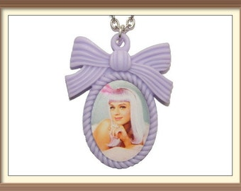 Katy Perry Inspired Cute Bow Cameo Necklace / Teenage Dream / Firework / Roar / Katy cats