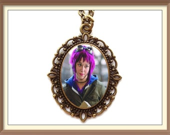Ramona Flowers Inspired Cameo Necklace / scott pilgrim vs the world / Michael Cera / Mary Elizabeth Winstead / Evil Ex's / Comic