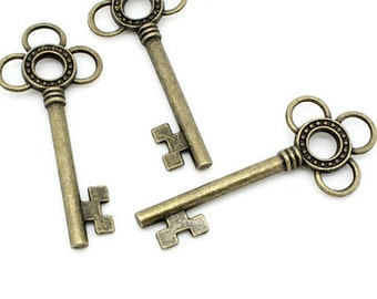 Charm Pendants Key Antique Bronze