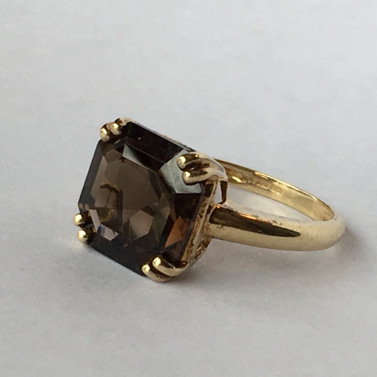 Vintage smoky quartz ring 2 carat smoky quartz in 9k for Quartz wedding rings