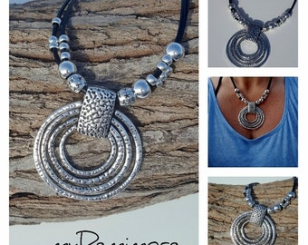big Ring Pendant leather necklace