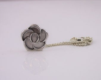 Sterling Silver Discreet Day Collar / Slave Necklace - Locking Chain w/ Gorean Dina Pendant - Sized to Order