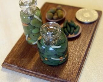 1:12 Scale 2 pickles jars with 1 plate
