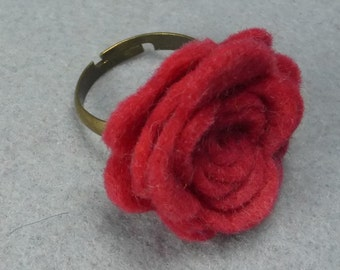 Red Flower Ring - Red Rose Ring -Felt Flower - Felt Ring - Adjustable Ring -Artificial Flower -Fake Flower -Flower Jewelry -Felt Jewelry