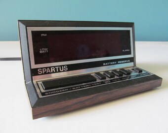 Vintage / Retro Spartus Apollo Model 1140 Digital Alarm Clock Red Numbers