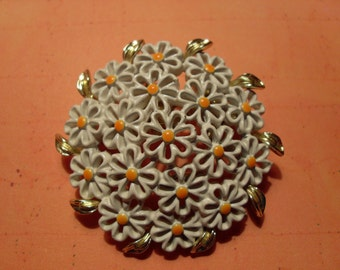 Vintage Floral Brooch Abstract Bunch of Daisies