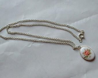 Vintage rose pendant necklace