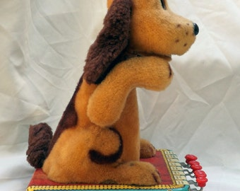 """MARX mechanical toy dog, """"Buttons"""" vintage toy"""