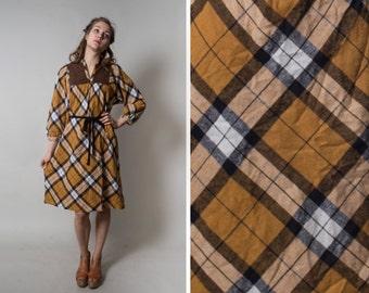 30% OFF 70's-80's Robe Dress/ Mustard Yellow and White Dress/ Maternity Dress/ Warm Winter Dress • Size Medium to Large •