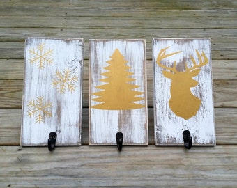 Distressed Rustic Wooden Christmas Stocking Holders, Rustic Stocking Hangers, Wooden Christmas Signs, Rustic Coat Hanger, Set of 3