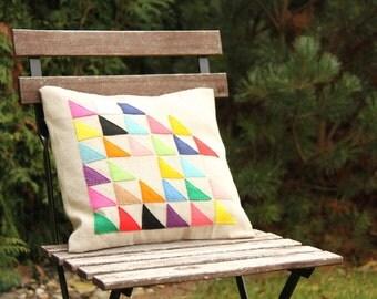 Cushion color triangle