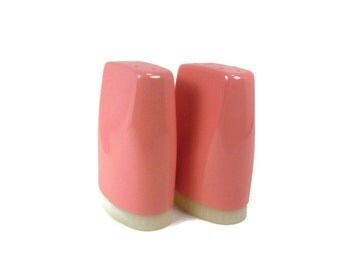 Boontonware Pink Salt and Pepper Shakers Made in USA Vintage Kitchen Picnic Camping