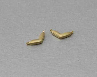 Boomerang Brass Connector . Matte Gold Plated . 10 Pieces / C3137G-010