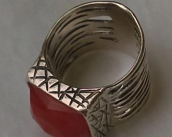Vintage  ring pink, large. faceted rhodonite set on sterling silver