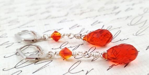 Red and Orange Crystal Earrings / Glass Crystal Earrings / Red and Orange Dangle Earrings / Faceted Glass Teardrop Earrings