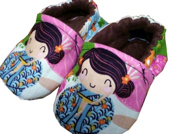 Aoi has 2 Sisters Japanese Kimino Holiday Christmas Handmade Baby Girl's Shoes Slippers Booties Choose Size 0 - 24 M 3T -5T Baby Shower Gift