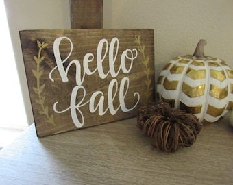 Hello Fall Wood Sign // Fall Farmhouse Decor // Hand Lettered // Hand Painted