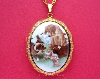 Dogs Porcelain MOTHER DOG & Puppies Doing the Laundry Cameo Puppy Costume Jewelry Goldtone Locket Pendant Necklace Cameos w/ 24 Inch Chain