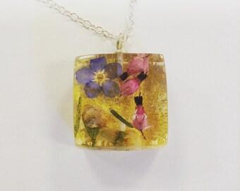 Gold flower pendant