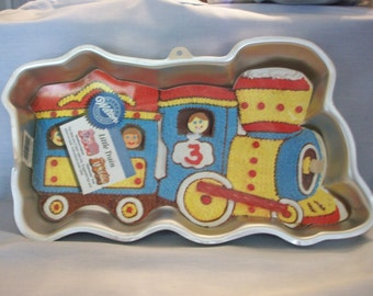 "Vintage Wilton ""Little Train"" Aluminum Cake Pan, Trains, Wilton, Decorator Cake Pans, Aluminum Cake Pans"
