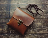 Handmade veg tanned leather swing clasp crossbody bag *MADE TO ORDER*