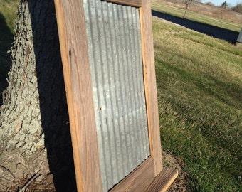 Megnetic photo mounting frame with shelf