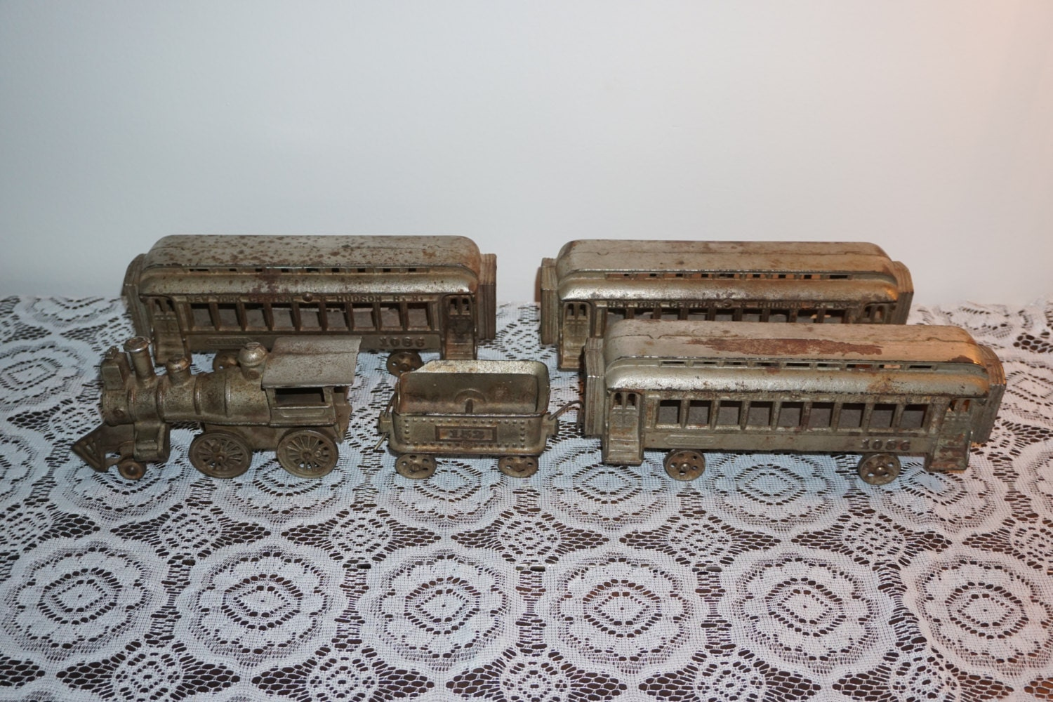 Nycrr Cast Iron Train: Early Buffalo Toys Or Ideal 5 Piece Cast Iron Train Set NYC