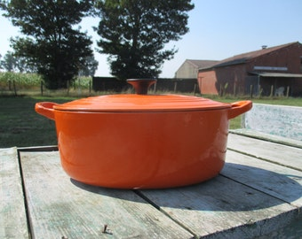vintage French Small Oval Le Creuset Cast Iron Dutch Oven Casserole Orange