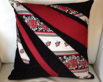 Cushion with ties