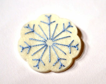 Snowflake brooch / Christmas Brooch / Christmas accessory / Perfect stocking filler / Felt hand embroidered snowflake / Ivory and blue