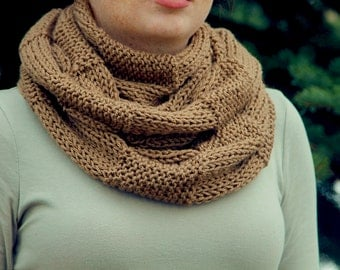 Light Brown Infinity Scarf with a Checkered Pattern, Unique Scarf, Infinity Scarf, Kitted Scarf, Crochet