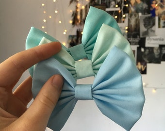 Saphire Blue Bow (BACK BOW)