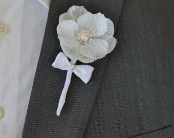 White Wedding Boutonniere Grooms Boutonniere Groomsman Boutonniere  Wedding Boutonniere Silk Boutonniere  White Boutonniere