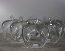 Apple Napkins Rings, Acrylic Apple Napkin Holders, Set of Six Clear Acrylic, Made in Hong Kong, Mid Century Tableware, Fall Apple Season