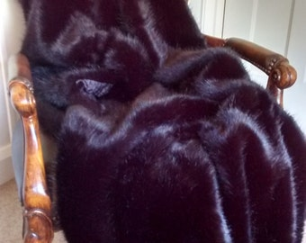 Jet Black Mink Faux Fur Throw with Crushed Velvet Lining/velvet/fur/blanket/black fur/black throw