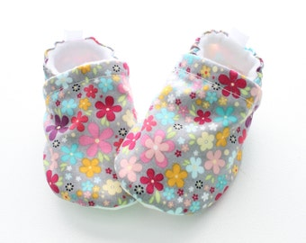 grey flowerfield - girls baby shoes, Soft Sole, Moccs Baby Booties - great gift idea!