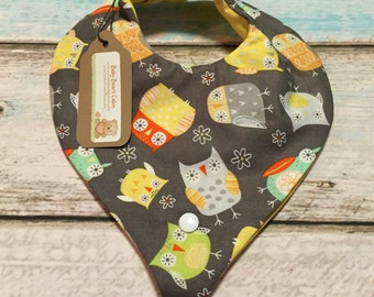 Daisy the Owl Paci/Teether Bib