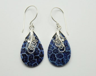 Earrings blue foam coral
