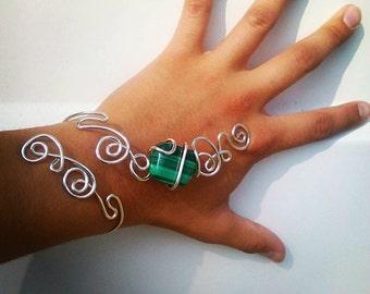 bracelet with malachite green stone