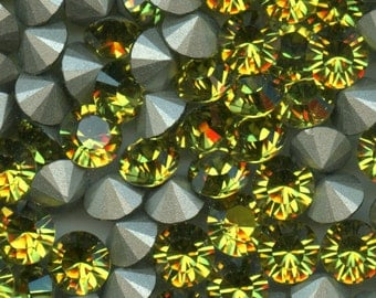 1028 SS39 L***  6 Swarovski rhinestones point back SS39 (8,3mm) lime
