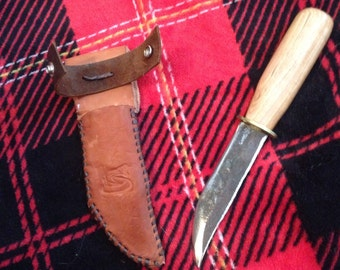 Upcycled Pine Lawnmower Rattlesnake Knife