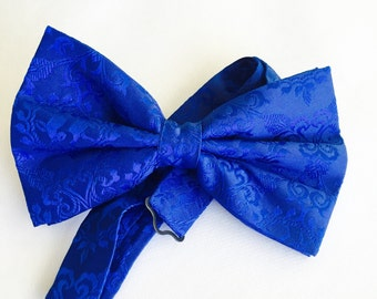 Royal Blue paisley Bow Tie. This tie is available in pre-tied and self tie.