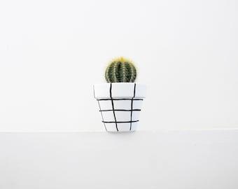 Hand Painted Grid Plant Pot - 6cm