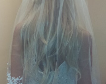 Beautiful fingertip Veil with Sequin Lace Appliques around the entire border with Clear Comb attached