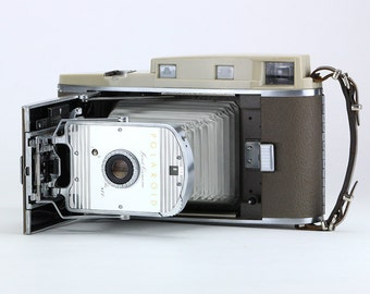 Retro Polaroid 800 Land Camera 1957-1962
