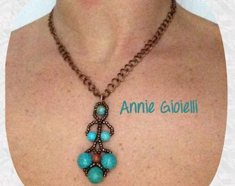 Chain necklace with pendant made with beads and gemstone/jewelry/bijoux/pendente