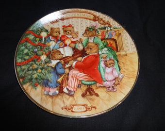 "1989 ""Together for Christmas Plate"" /Avon"