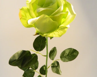 Free shipping - 12 pc - Rose Spray in Green - 32'' Tall