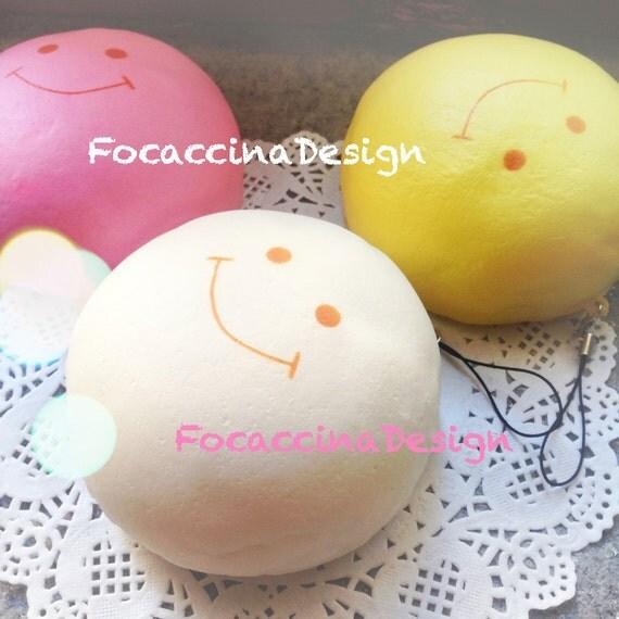 Squishy Jumbo Marshmallow : Jumbo squishy shaped marshmallow in pastel colors 11 cm