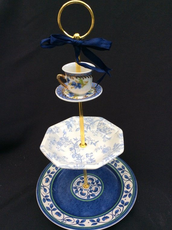 wedding cake tiers servings wedding cake stand blue white 3 tier serving tray tiered 26270